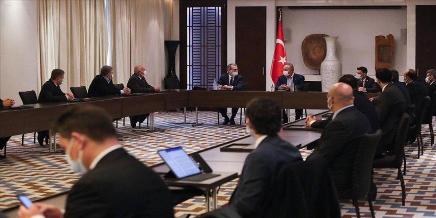 Dışişleri Bakanı Çavuşoğlu, Tacikistan'da Türk iş insanları ile bir araya geldi