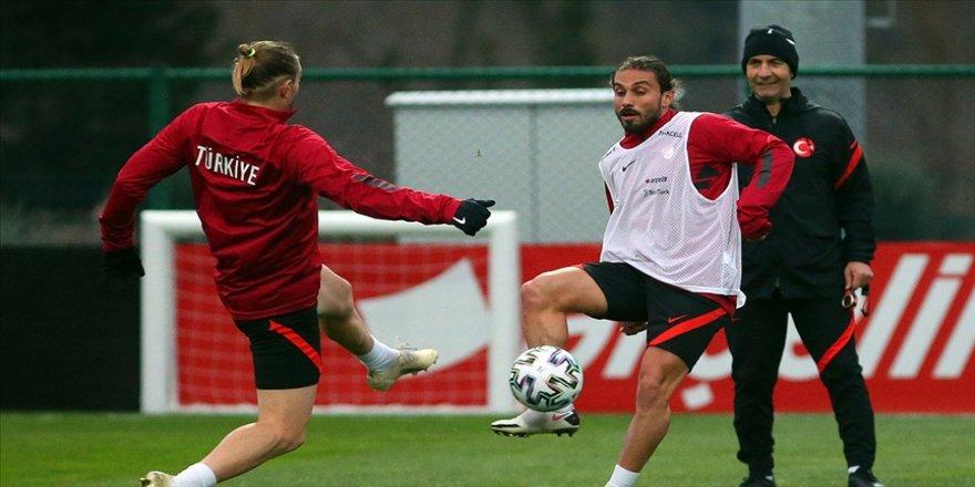 A Milli Futbol Takımı Letonya maçı hazırlıklarına başladı