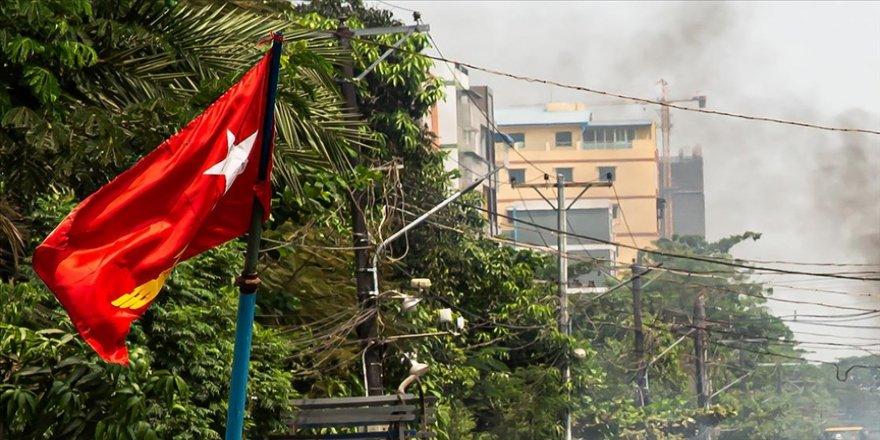 Myanmar Güzellik Kraliçesi Han Lay'dan uluslararası yardım çağrısı