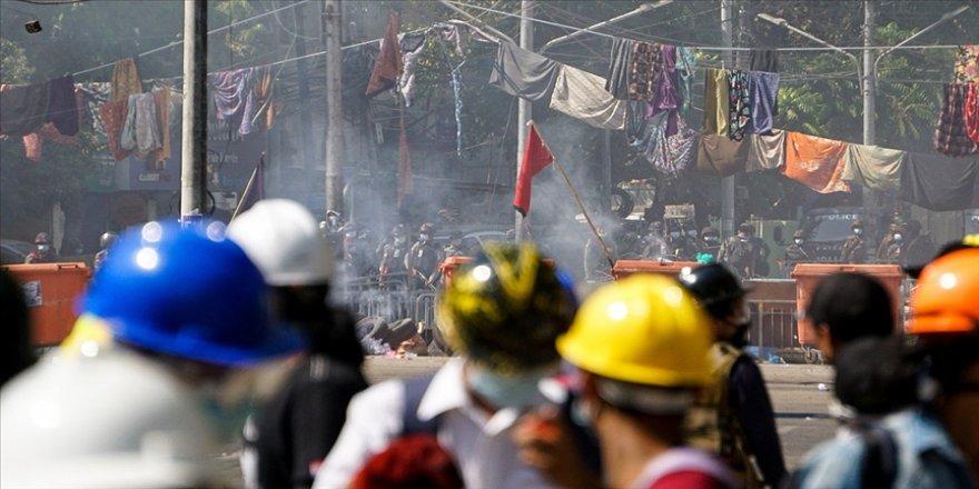 Myanmar'da askeri darbenin kanlı bilançosu ağırlaşıyor
