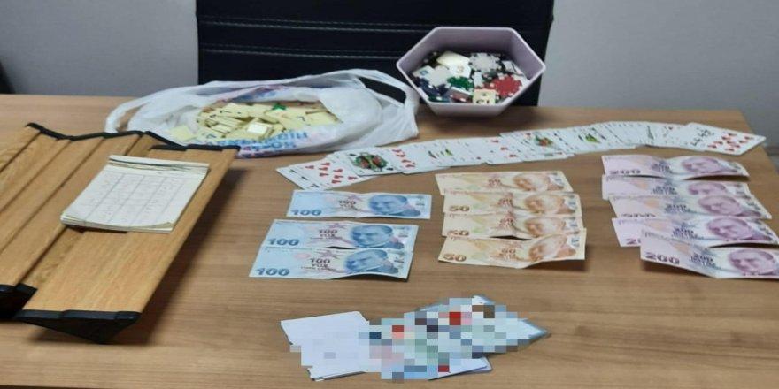 Kocaeli'de' kumar baskını 6 kişiye ceza kesildi