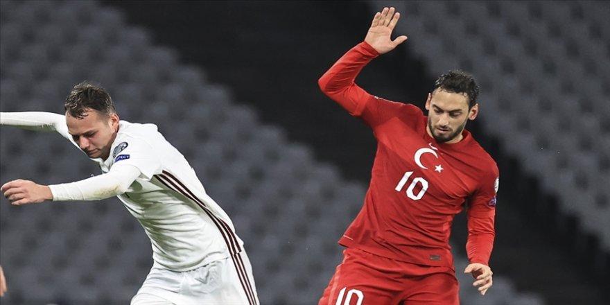 Milli futbolcu Hakan Çalhanoğlu: Hedefimize ulaşmak için çalışmaya devam edeceğiz