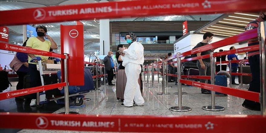 """Türk Hava Yolları (THY), yolcuların """"PressReader"""" uygulaması ile farklı ülkede yayınlanan çeşitli gazete ve dergilere ücretsiz ulaşabileceklerini duyurdu."""