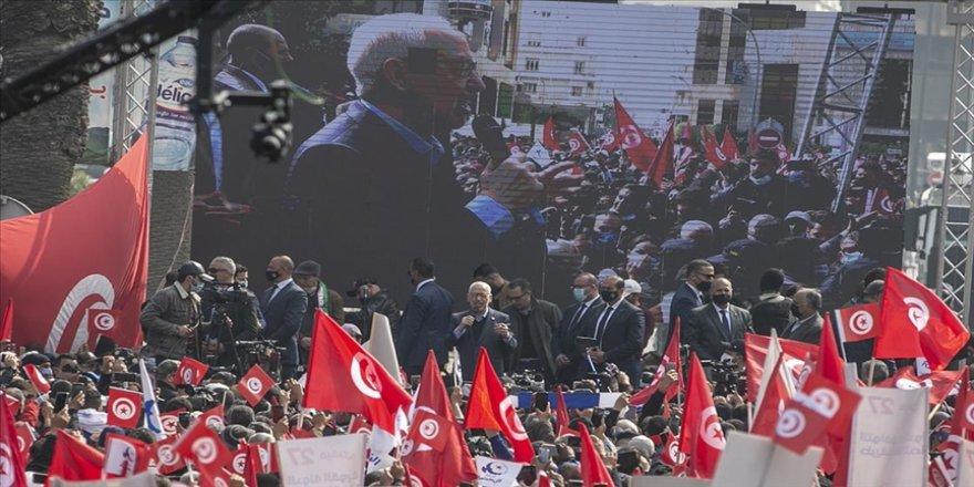 Nahda Hareketi siyasi krizin yaşandığı Tunus'ta ulusal diyaloğa ihtiyaç duyulduğunu bildirdi