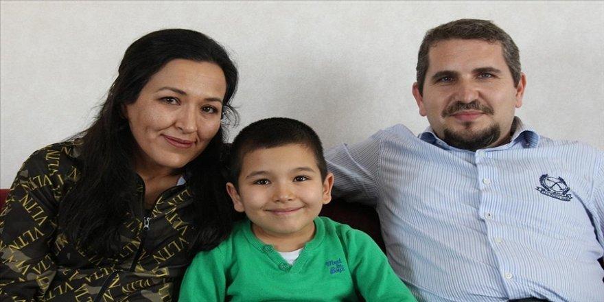 Erken tanı sayesinde otizmi yenen 7 yaşındaki Mert Ege, ailesinin mutluluk kaynağı oldu