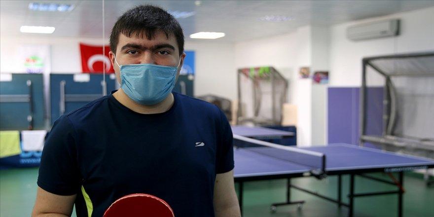Masa tenisiyle yaşama tutunan otizmli gencin hedefi dünya şampiyonluğu