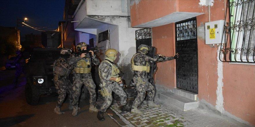 Adana'da PKK/KCK operasyonunda 8 gözaltı