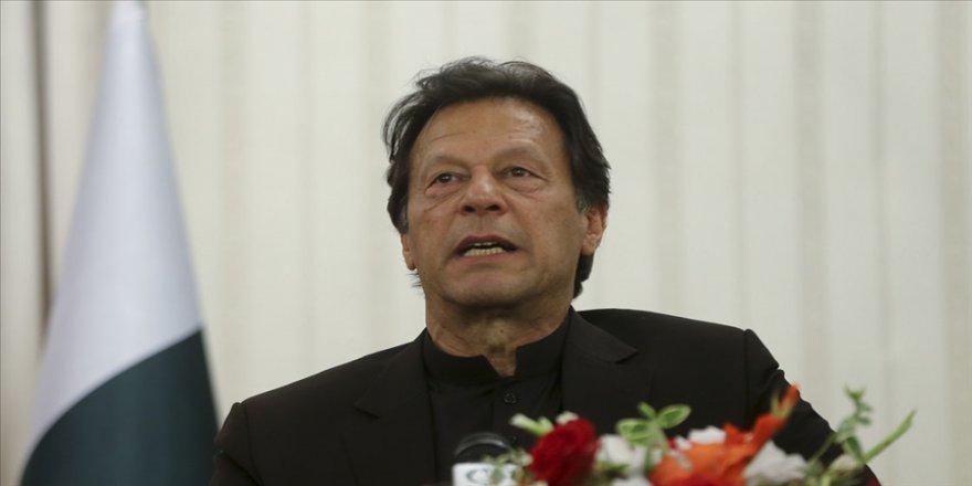 """Pakistan Başbakanı Han, ülkesinin İklim Zirvesi'ne davet edilmemesini """"şaşkınlıkla"""" karşıladı"""
