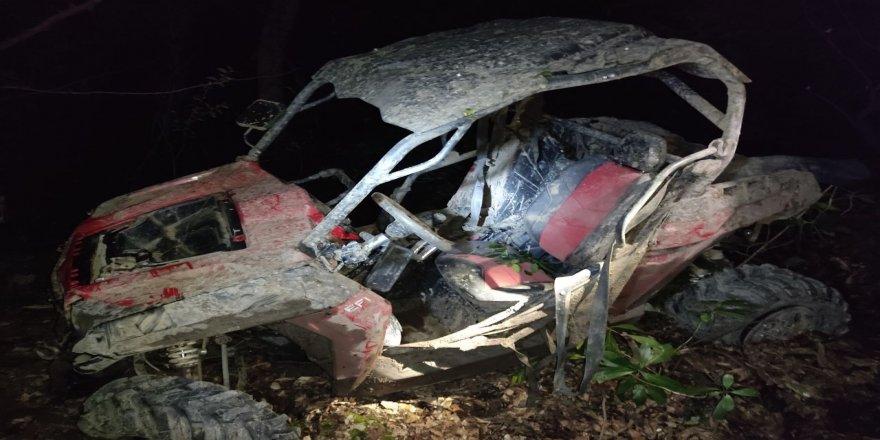 Kocael'de arazi aracı devrildi: 1 ölü, 1 yaralı