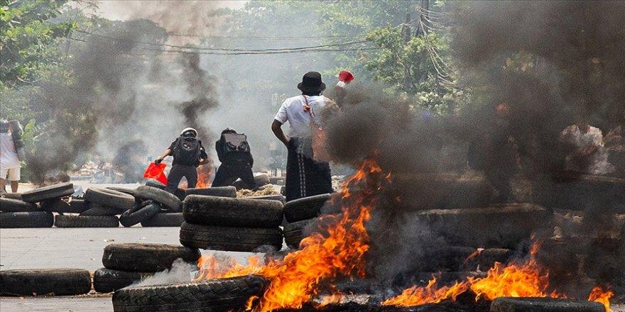 Myanmar'da güvenlik güçlerinin protestoculara müdahalesinde ölenlerin sayısı 557'ye çıktı