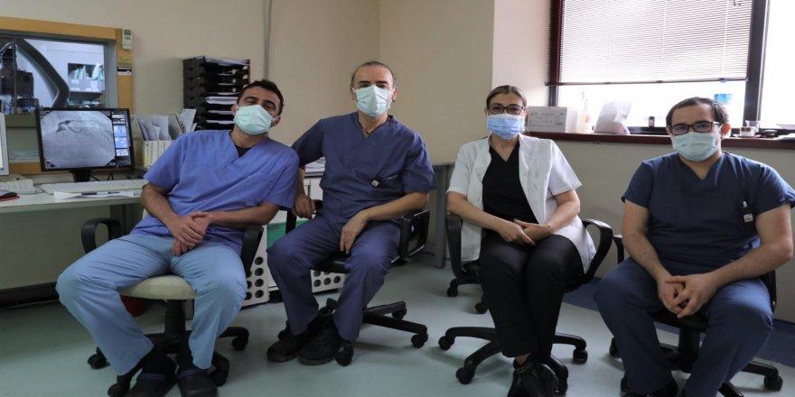 Prof. Ağaçdiken, ''Covid-19 kalp kasında hasar oluşturabiliyor''