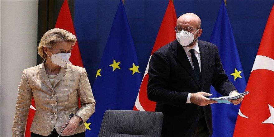 Uzmanlar, AB Komisyonu ve Konsey başkanlarının Türkiye'ye yoğun gündemle geleceğine işaret ediyor
