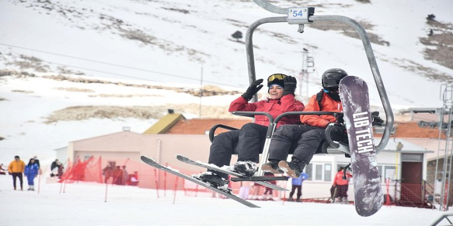 'Akdeniz'in kayak merkezi' Yedikuyular'da sezon uzadı