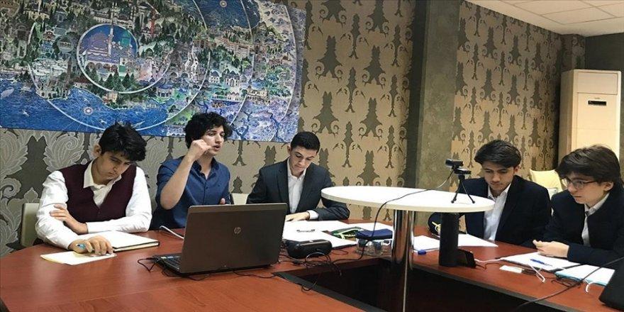 Türk imam hatip lisesi öğrencileri 5. Uluslararası Arapça Münazara Yarışması'nda dünya şampiyonu oldu