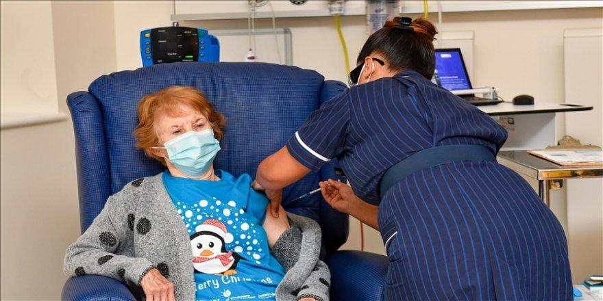 İngiltere'de Kovid-19 aşısının 10 binin üstünde can kaybını önlediği tahmin ediliyor
