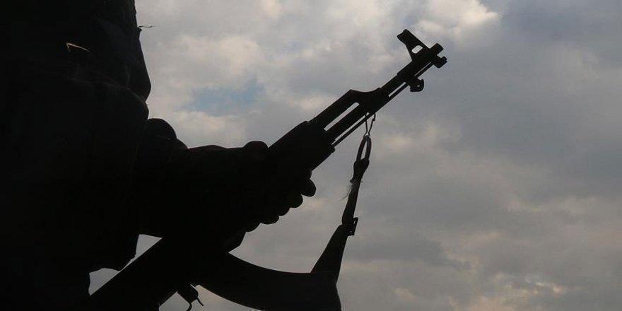 PKK'dan kaçan 3 terörist Mardin sınırında jandarmaya teslim oldu