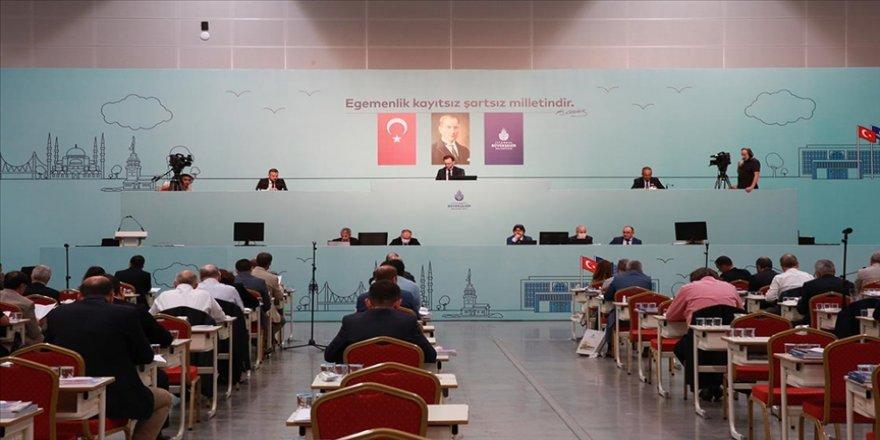 İBB nisan ayı meclis toplantıları ertelendi