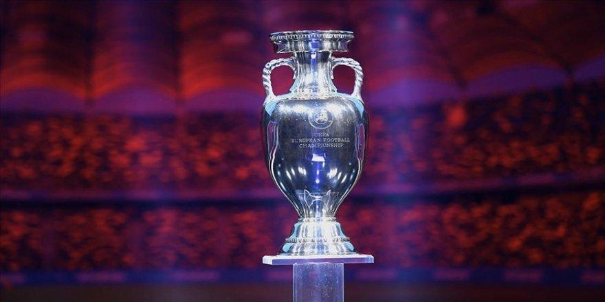 EURO 2020'ye ev sahipliği yapacak 12 şehirden 8'i maçlara seyirci alacak
