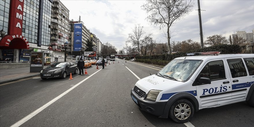 İçişleri Bakanlığı, hafta sonu uygulanacak sokağa çıkma kısıtlamasına ilişkin hususları hatırlattı