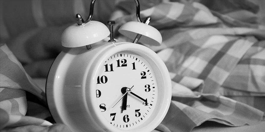 Ramazan ayında sağlıklı uyku için 1-2 saat erken yatılması önerisi