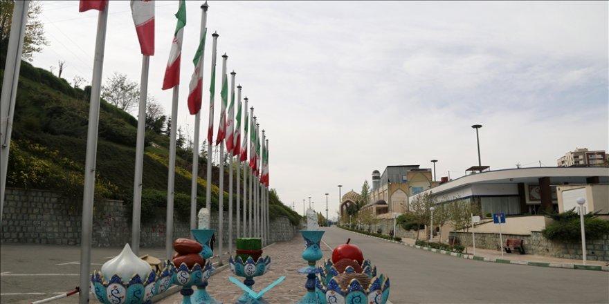 İran'da artan Kovid-19 vakaları kısıtlamaları geri getirdi
