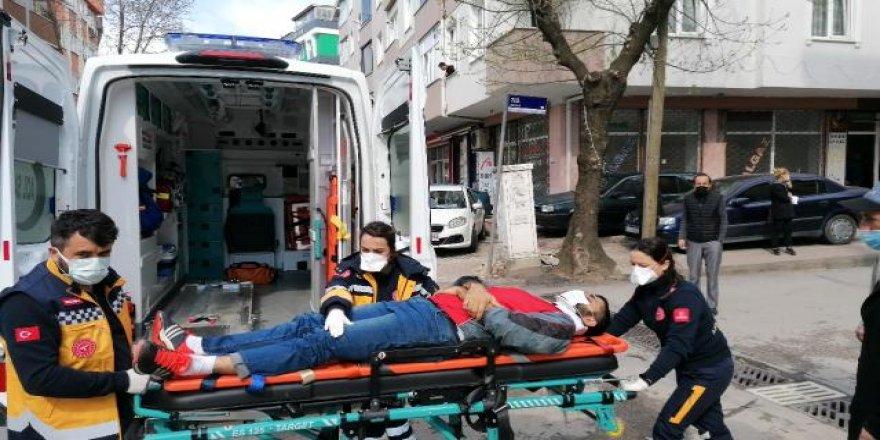 Gebze'de araç ve bisiklet çarpıştı