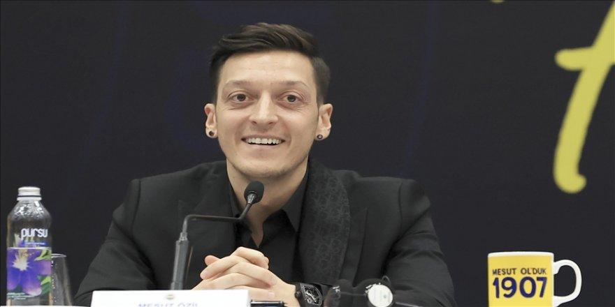 Futbolcu Mesut Özil'in Türk Kızılaya yaptığı bağışla 128 bin insana yardım ulaştırılacak
