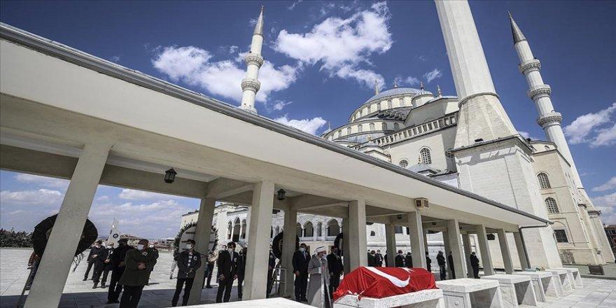 Türk halk bilimci Prof. Dr. İlhan Başgöz son yolculuğuna uğurlandı