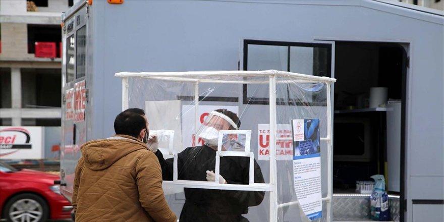 Kastamonu'da hizmet veren 'mobil PCR test aracı' ile Kovid-19 vakaları yerinde tespit ediliyor
