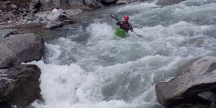 Barhal Çayı rafting ve kano tutkunlarını ağırlıyor
