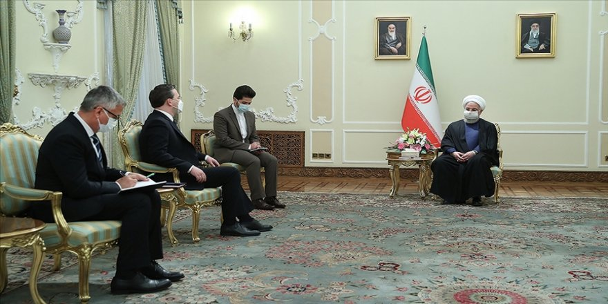 Ruhani: Yaptırımların kalkmasıyla dünya ile ekonomik iş birliğinde yeni bir ortam oluşacak