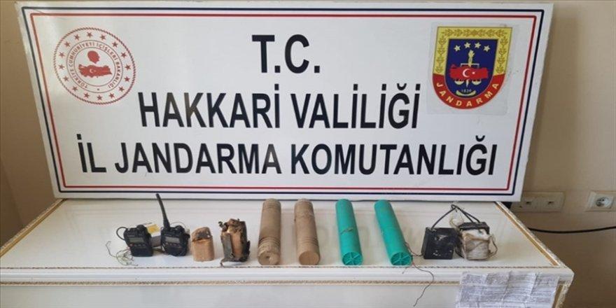 Hakkari'de terör örgütü PKK'ya yönelik operasyonda patlayıcı yapımında kullanılan malzemeler ele geçirildi