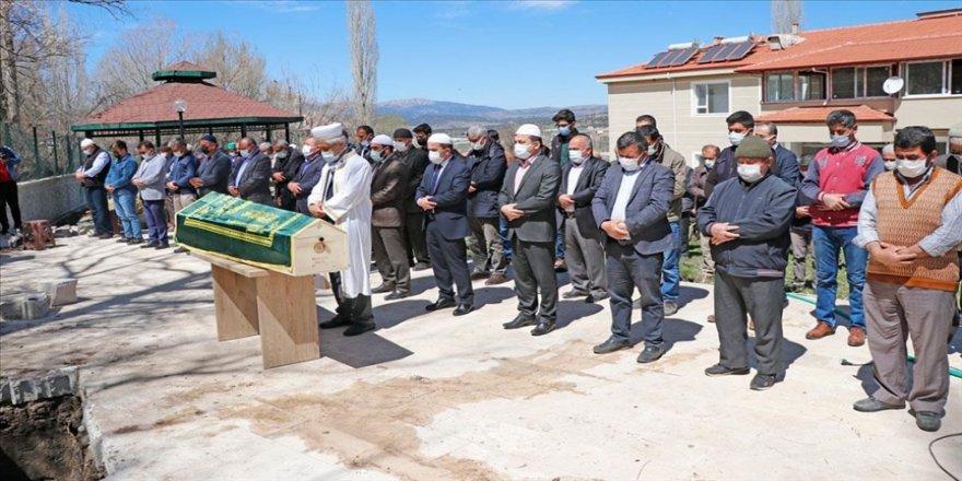 İslami İlimler Araştırma Vakfı Başkanı Prof. Dr. Özek memleketi Muğla'da toprağa verildi