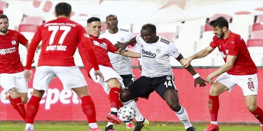 Lider Beşiktaş'a 'Yiğido' engeli