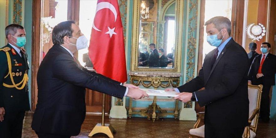 Türkiye'nin Asuncion Büyükelçisi Aksen, Paraguay Devlet Başkanı Benitez'e güven mektubunu sundu