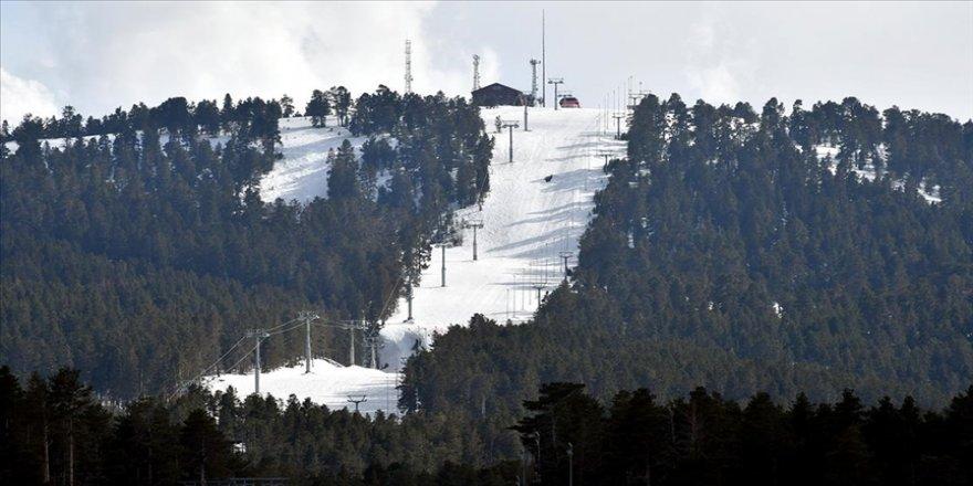 Cıbıltepe Kayak Merkezi'nde salgına rağmen gelen müşteriler turizmcilerin yüzünü güldürdü