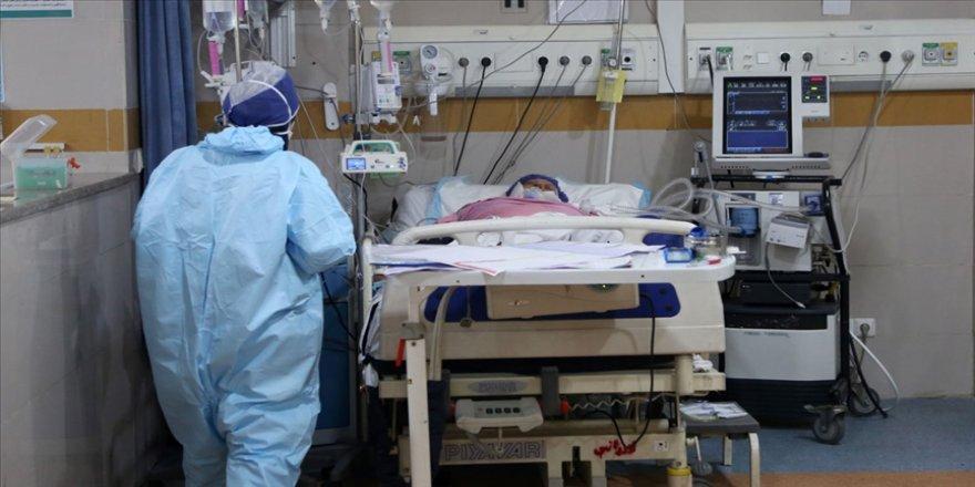 İran'da son 24 saatte 388 kişi Kovid-19'dan hayatını kaybetti