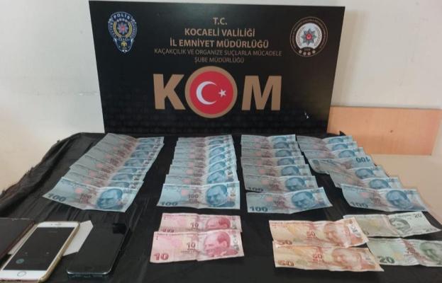 Kocaeli'de piyasaya sahte para süren şahıslar yakalandı