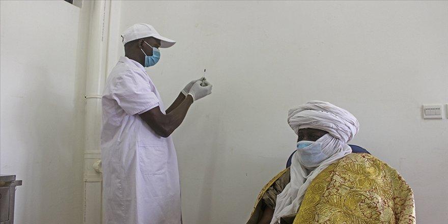 Afrika'ya gönderilen bazı Kovid-19 aşıları son kullanma tarihi geçmesine rağmen 'kullanılabilecek'