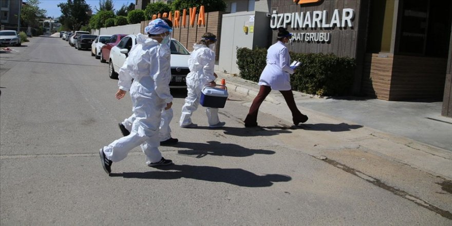 Antalya'da 'aşı ikna ekipleri' yoğun mesaide