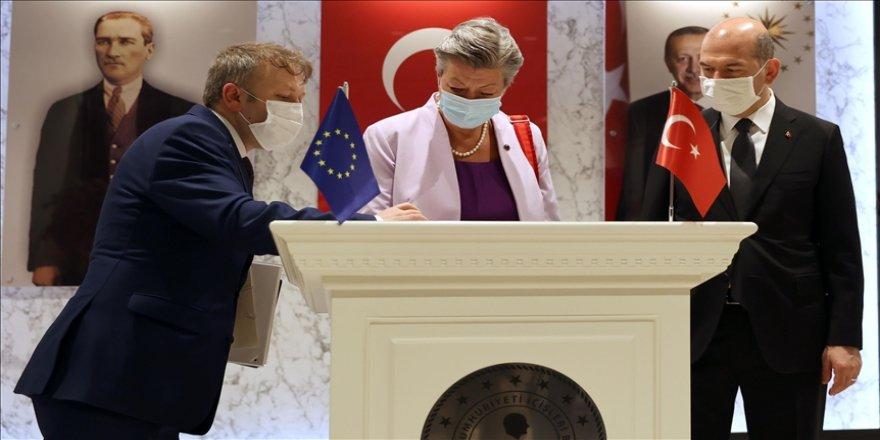 İçişleri Bakanı Soylu, AB Komisyonu İçişlerinden Sorumlu AB Komiseri Johansson'ı kabul etti