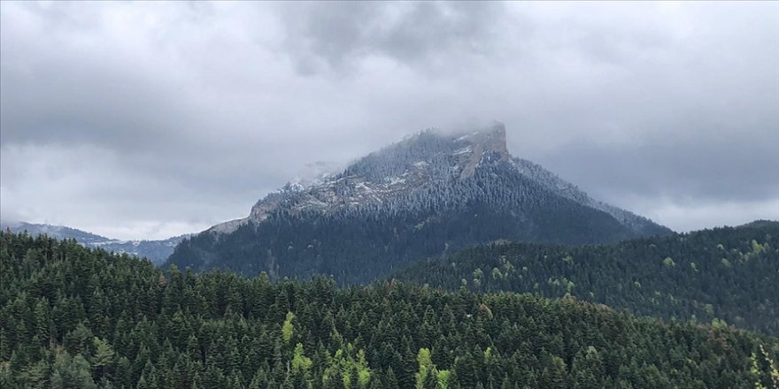 Ilgaz ve Yaralıgöz dağlarına ilkbaharda kar yağdı