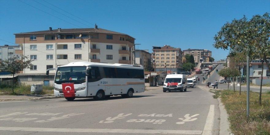 Gebze'de servis işletmecileri İsrail zulmünü kınamak için konvoy oluşturdu