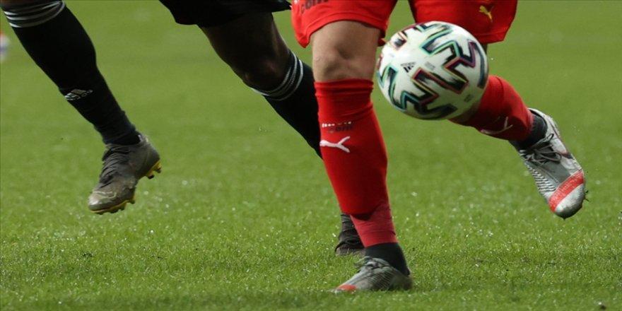 Süper Lig'de şampiyonluk yarışını ilgilendiren 3 maçın VAR hakemi açıklandı