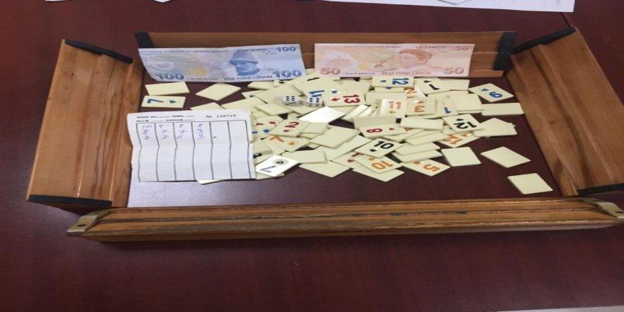 Kocaeli'de 24 kişi kumar masasında yakalandı