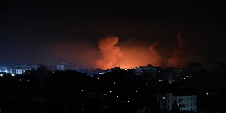 İsrail'in gece yarısından itibaren Gazze'ye düzenlediği saldırılarda yaşamını yitiren Filistinlilerin sayısı 4 oldu