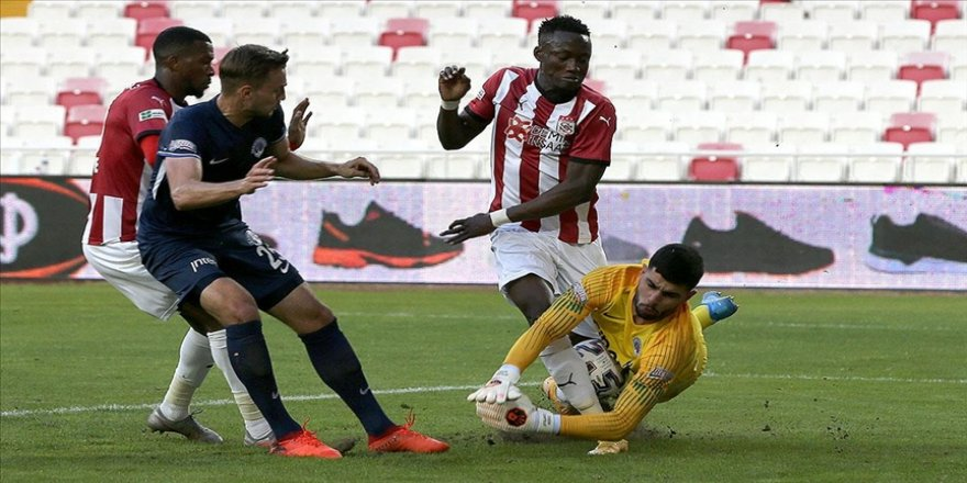 Demir Grup Sivasspor sezonu 3 puanla bitirdi