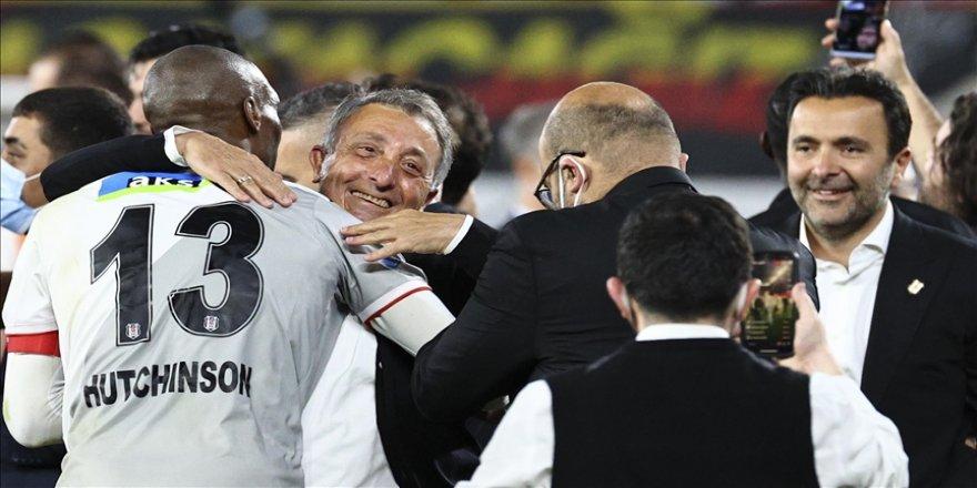 Beşiktaş Kulübü Başkanı Çebi: Sergen hoca, teknik kadronun ve tüm çalışanların emekleriyle şampiyon olduk