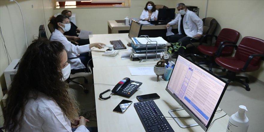 Psikososyal destek ekibi Kovid-19 hastaları ve yakınları arasında köprü oldu