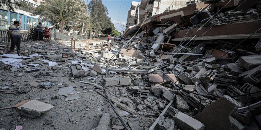 İsrail uçakları Han Yunus kentindeki bazı noktaları vurdu